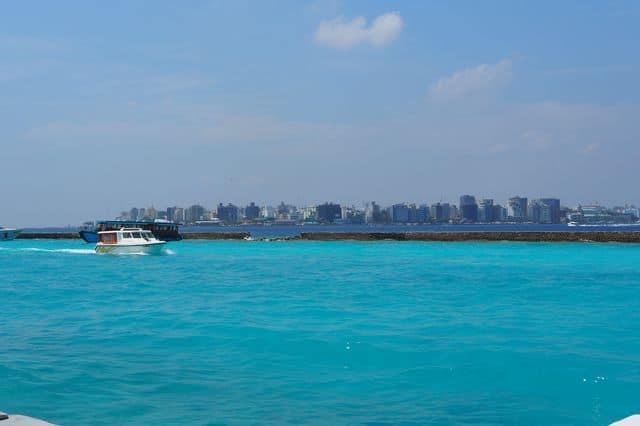 maldives se loger pas cher c 39 est possible famille en. Black Bedroom Furniture Sets. Home Design Ideas