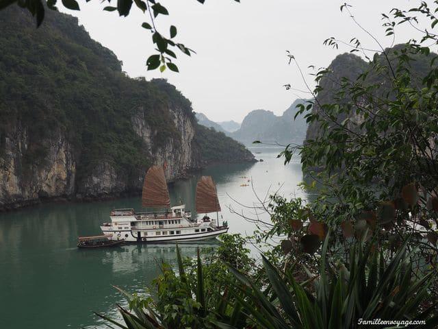 croisière sur la baie de Tu Long avec indochina junk